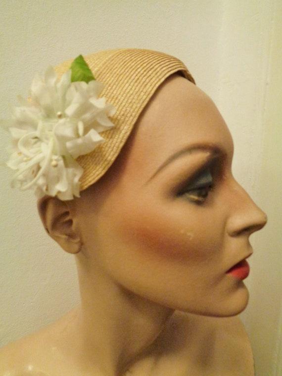romantic hat headpiece 40s 50s straw blossom