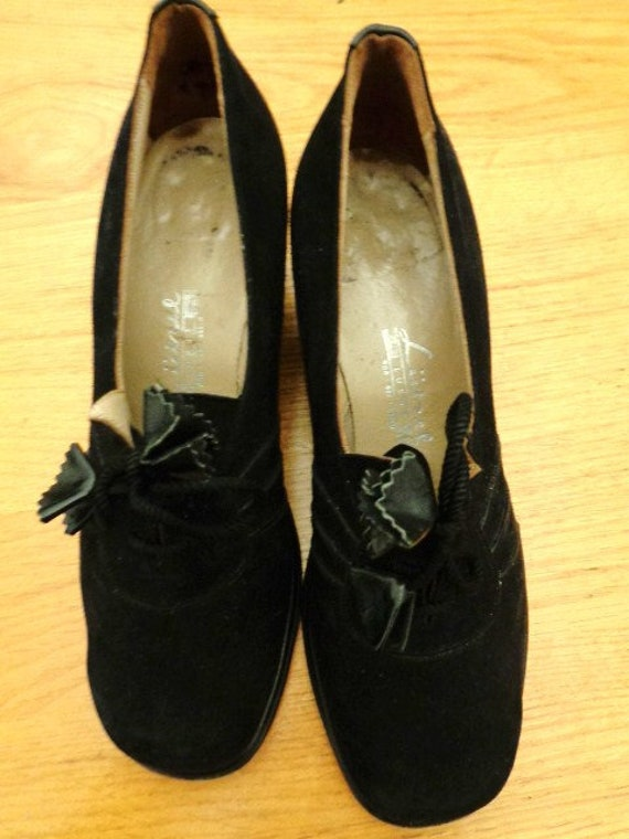 great black 40s women's lace-up shoes
