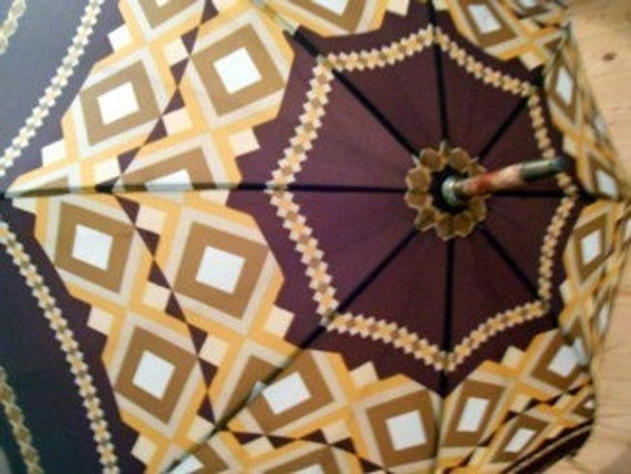 Brown yellow 70s Vintage umbrella handle