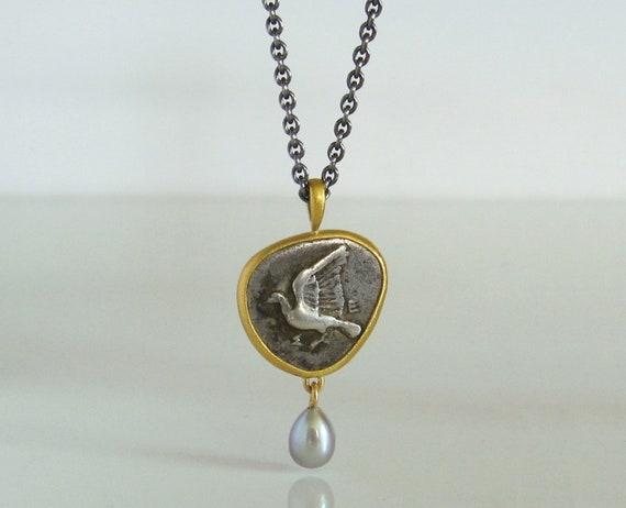 Anhänger Mit Antiker Münze Taube 750 Und 900 Gold Perle Etsy