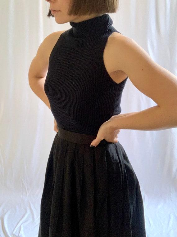 Vintage 1990s ribbed black 90% silk sleeveless tur