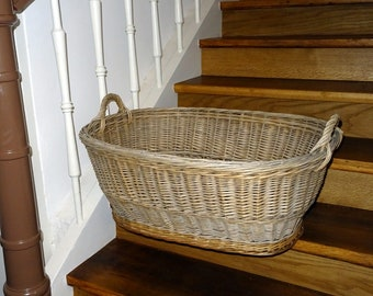 Willow Basket Agriculture 50s - Vintage