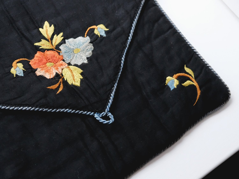 Pretty Antique White Boudoir Sachet Nightdress Case Delicate Flower Embroidery Antiques Linens & Textiles (pre-1930)