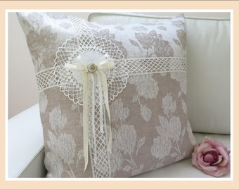 Beautiful Shabby Chic French Frames /& Vintage Flower Bouquet Lace Look Cushion