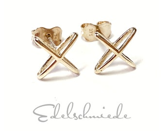 square stud earrings in 333/- yellow gold delicate