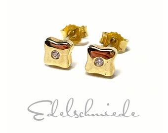 noble stud earrings 333 yellow gold square with cubic zirconia