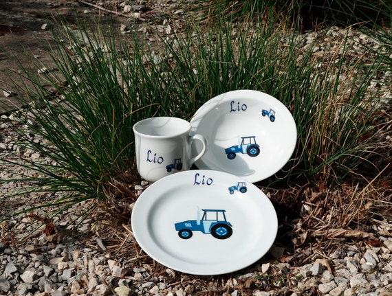 Traktor Kindergeschirr Mit Namen Individualisiert Porzellan Personalisiert Fur Kinder Und Erwachsene Als Geschenk Zum Geburtstag Ostern