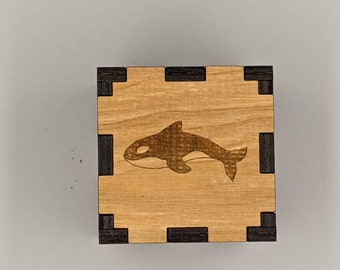 Silver Toned Etched Swimming Killer Whale Orca Square Tie Clip