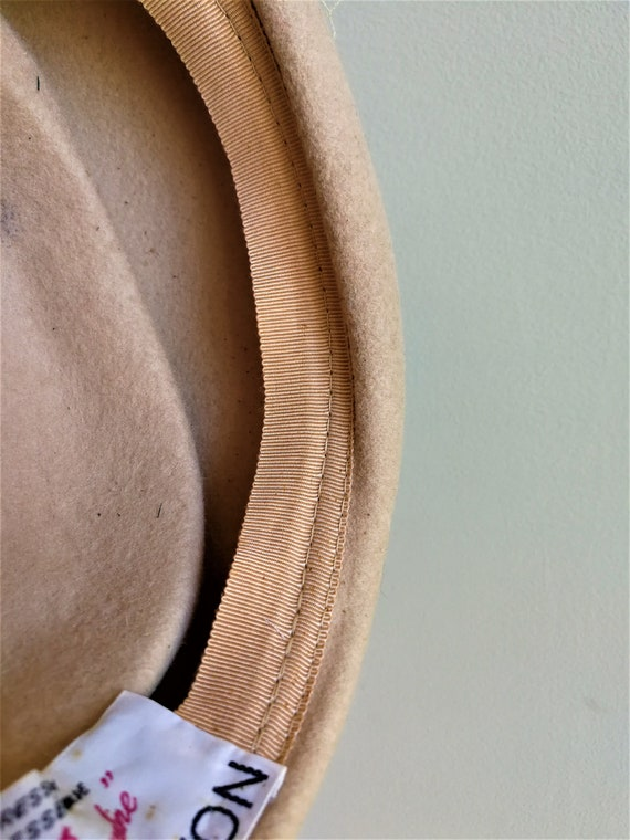 EATON Vintage 50s beige wool felt pillbox veil ha… - image 8