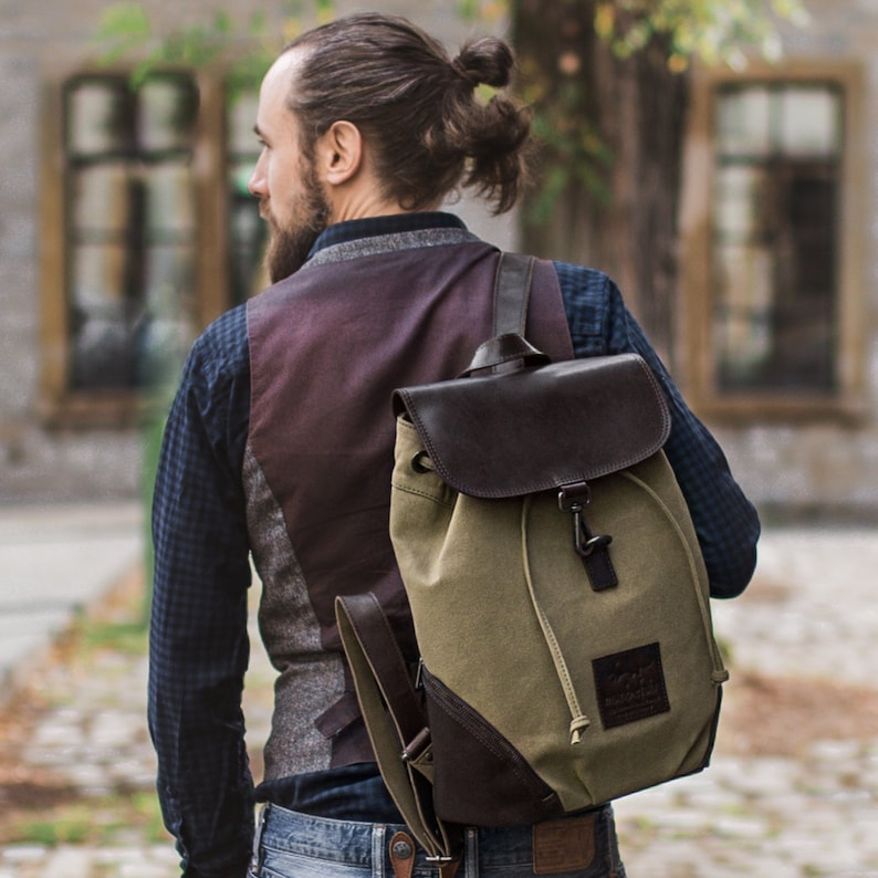 d25e250cc1a93 Manbefair Backpack Teramo Canvas olive green