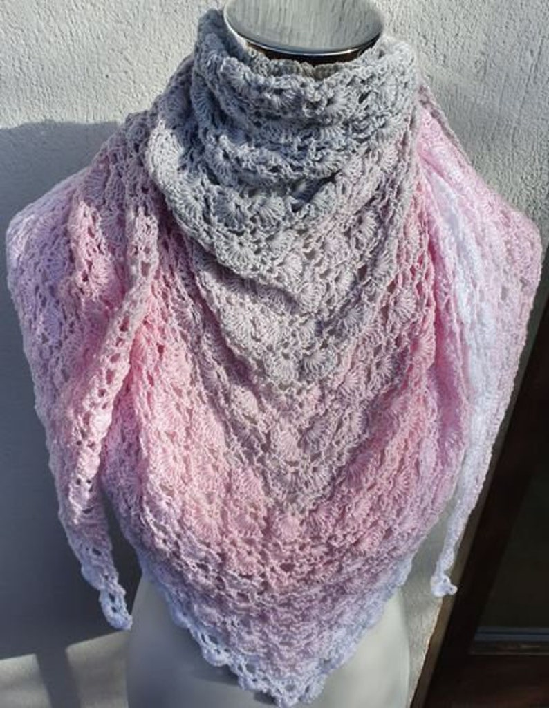 Beautiful cloth made of a Chiemsee gradient yarn in delicate image 0