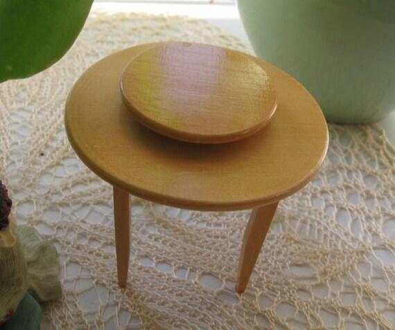 Ein Runder Tisch Mit Drehbarer Platte Für Die Puppenstube Etsy