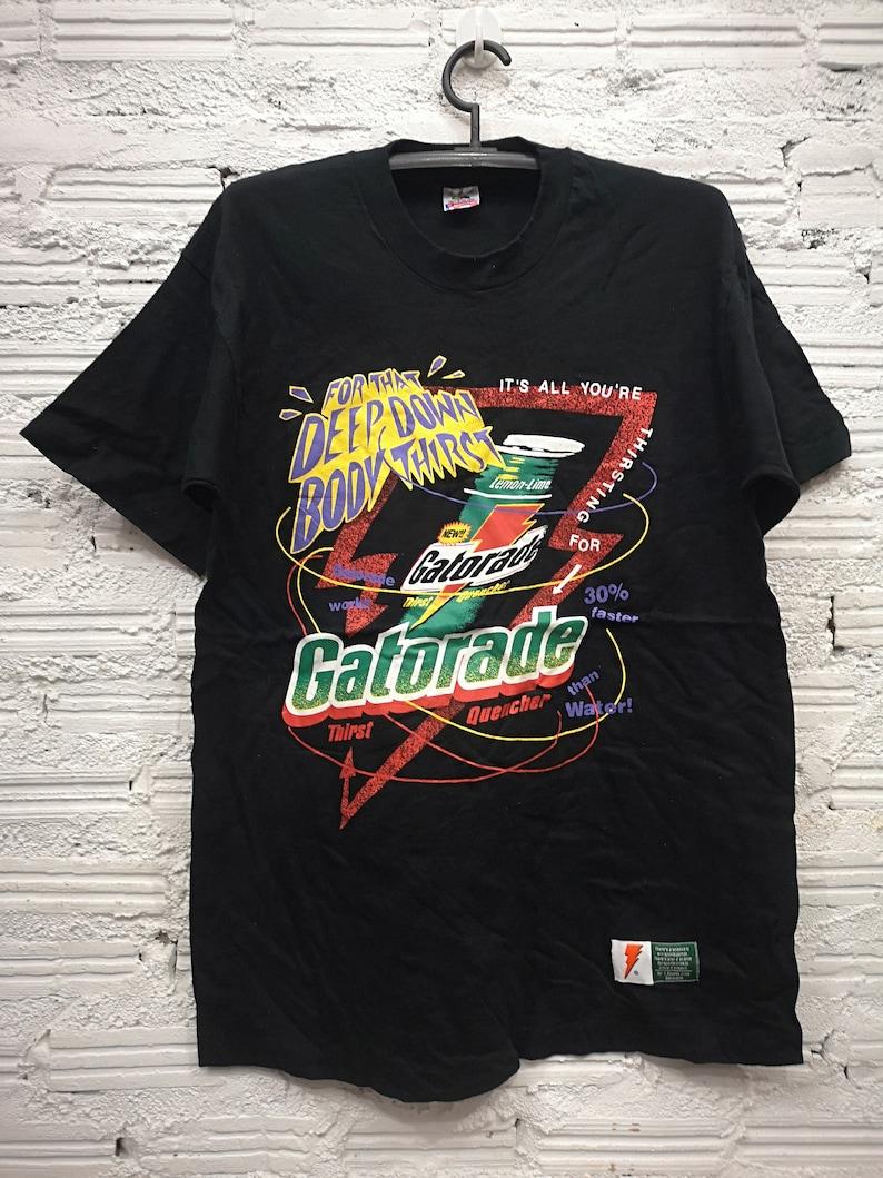 7c40fe7845cfa4 Vintage Gatorade Logo Energy Drink Irish Green Graphic T Shirt