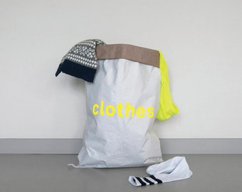 Clothes bag made of waste paper