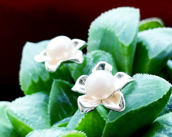 Blossom Stud Earrings Sterling Silver organic flower seed sterling silver jewelry earth lover pearl plant earrings