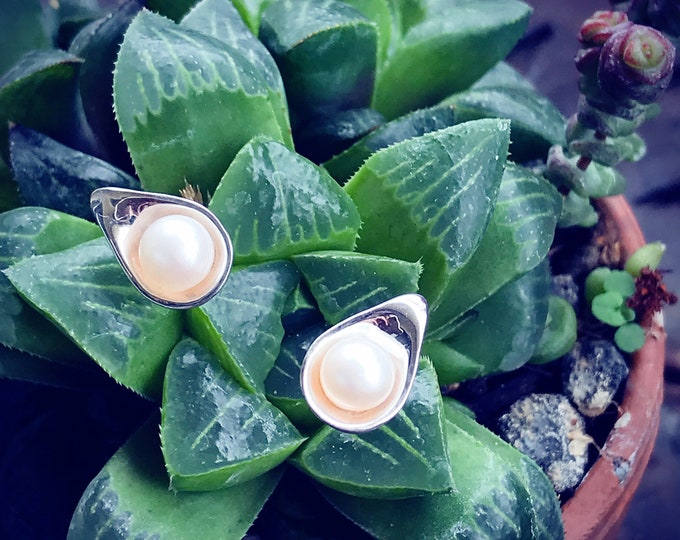 Dew Pearl Stud Earrings Sterling Silver organic flower leaves sterling silver jewelry earth lover pearl green water dew morning