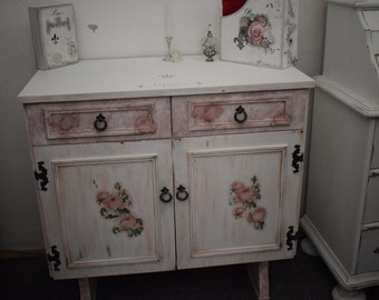 Shabby Chic/Country Dresser/Sideboard