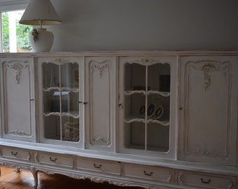 Shabby Chic/Vintage Chippendale Highboard/Showcase