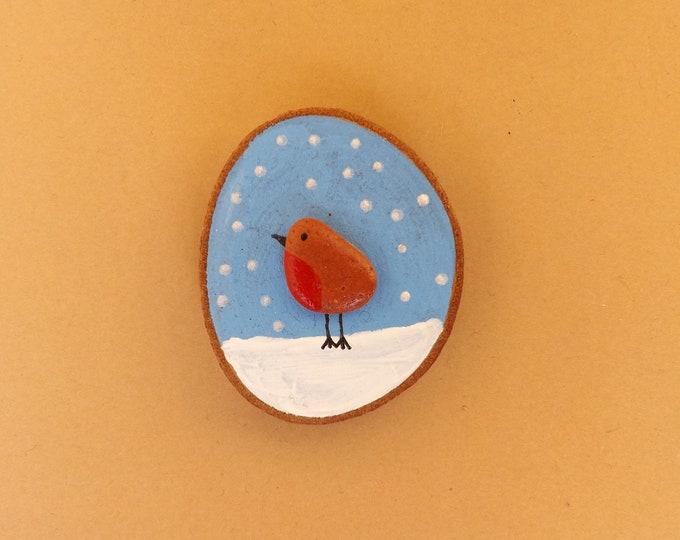 MTO Miniature Wood Slice Magnet ROBIN Snow Scene Pebble Art
