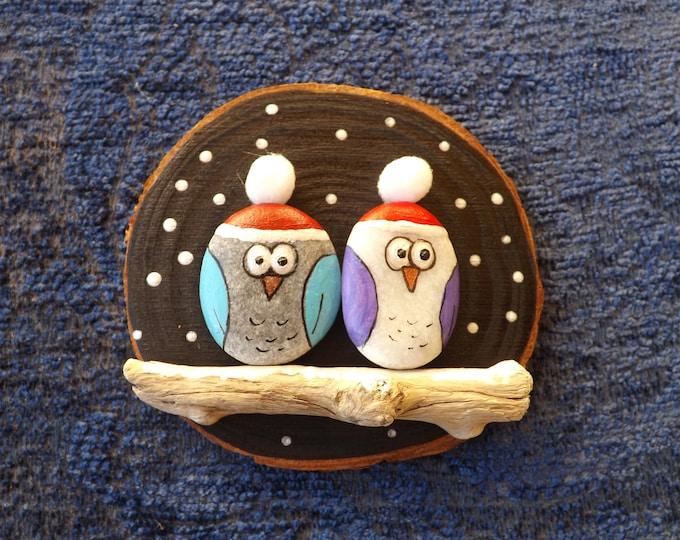 MTO Santa Hat Pebble Owl Couple Beach Art Wood Slice