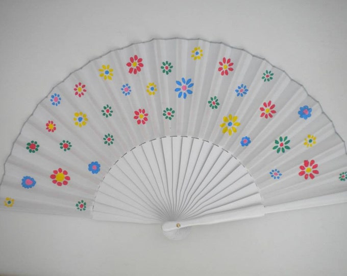MTO Std White Bright Flowers Hand Fan