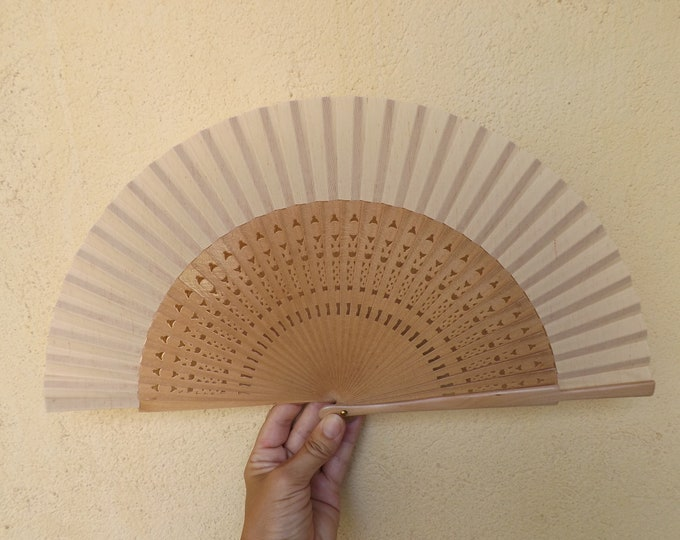 Std Natural Fret Wooden Hand Fan