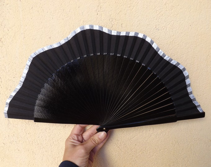 Std Black and Silver White Wavy Design Hand Fan