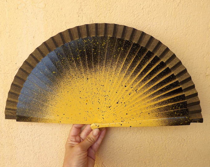 MTO Std Black and Yellow Hand Fan