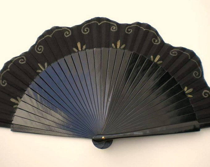 MTO Std Black and Gold Fancy Fan