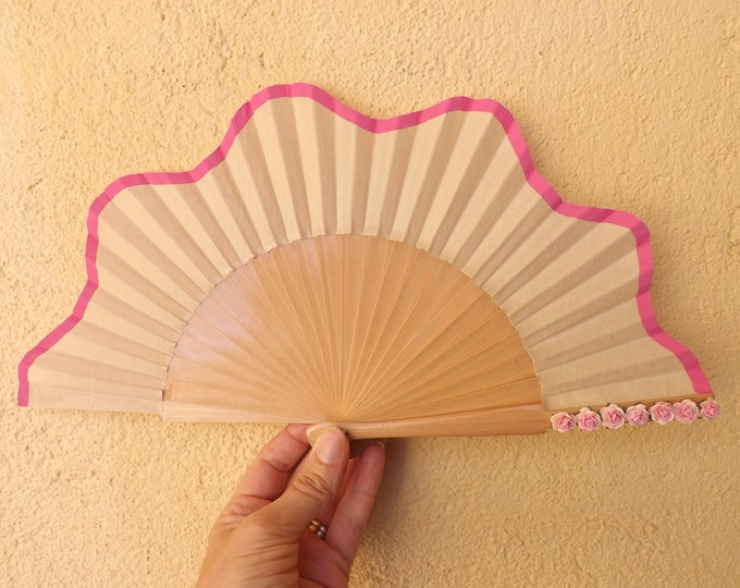 Small Natural Pink Roses Flowers Scallop Wooden Hand Fan