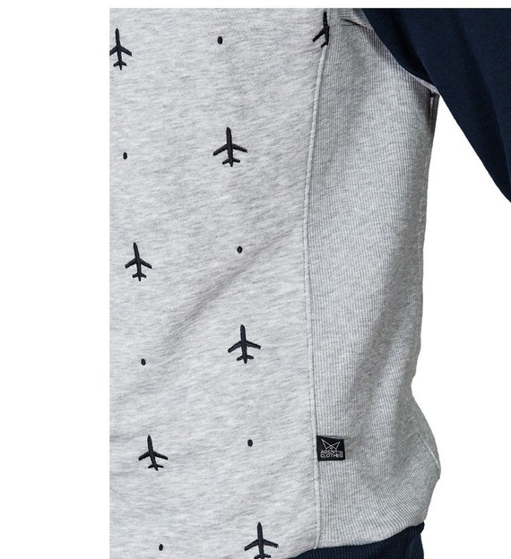 GIFT for steward,GIFT for flight attendant,Present aircraft,Gift for pilot Men/'s sweatshirt with embroidered planes Sweater with airplanes