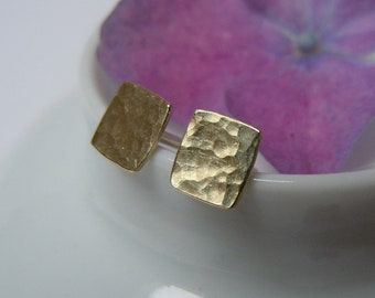 Small rectangular stud earrings 585 gold with hammer blow 5.5 x 6 mm