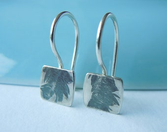 Small square earrings 925 silver with fine vegetable relief 8 x 7.5 mm