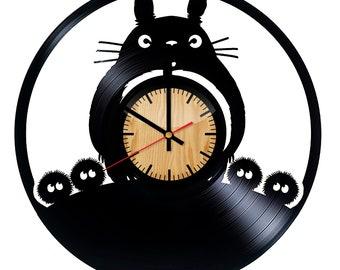 22fc50d055f8 Mon voisin Totoro Studio Ghibli vinyle mural horloge – cadeau fait main pour  toutes les occasions – mur Décor idées pour n importe quel espace