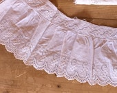 Top Rest Cotton hole Embroidery Borte old