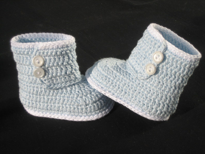 9a7125a73c56d Baby shoes crocheted, baby boots, 9.5 cm, species 1297