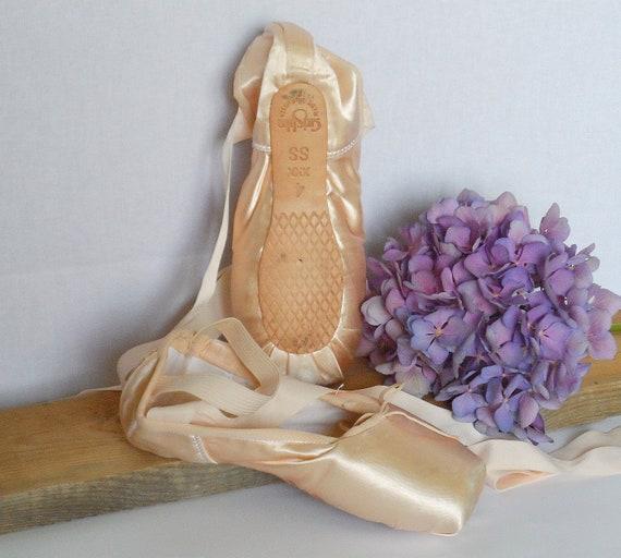 ballet shoes, Pointe shoes, ballet shoes, Russian