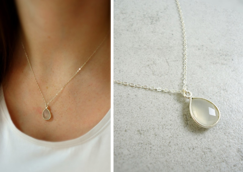 Silver necklace with grey-brown Chalcedontropfen