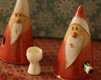 Alumina: Nicholas, Santa Claus brings happiness to Christmas - pottery at the fountain of the handicrafts of the Rhön