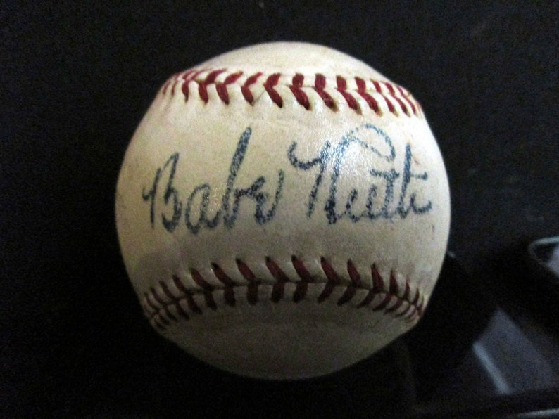 Babe Ruth Replica 1940/'s Autographed Baseball *NEW DESIGN FOR 2019*