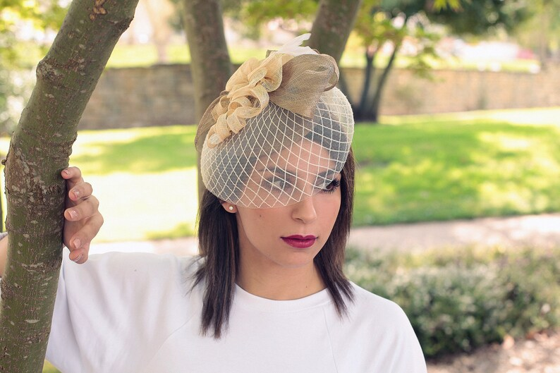French Creation Wedding Fashion Trends Beige Wedding Hat Veiled Hat