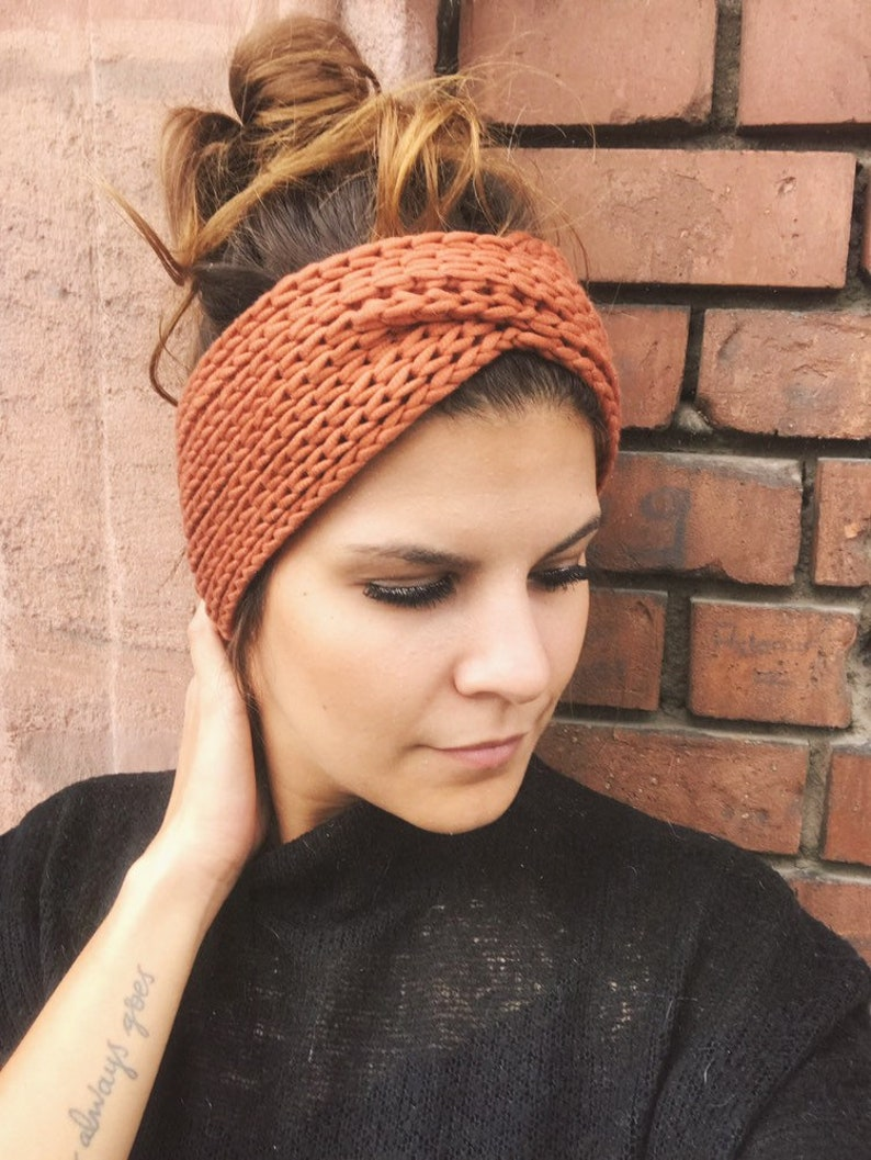 Hand-knitted headband in cashmere silk sienna image 0