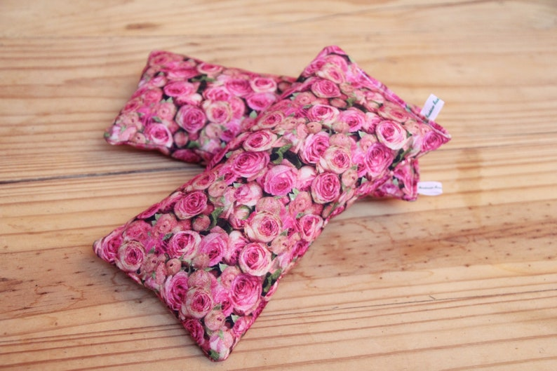 XL Pink Roses: Natural cat play cushion for cuddling and image 0