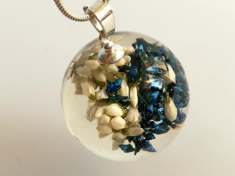composition in resin sphere from resin Dichromatic heather in sphere from resin