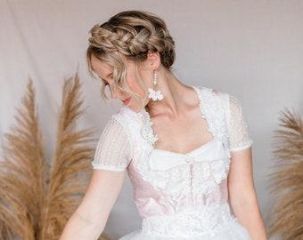 BRAUT BLUMENOHRRINGE/ Boho Style Earrings, Handmade Flowers, Freshwater Pearls, Btaut Flower Earrings in ivory gold