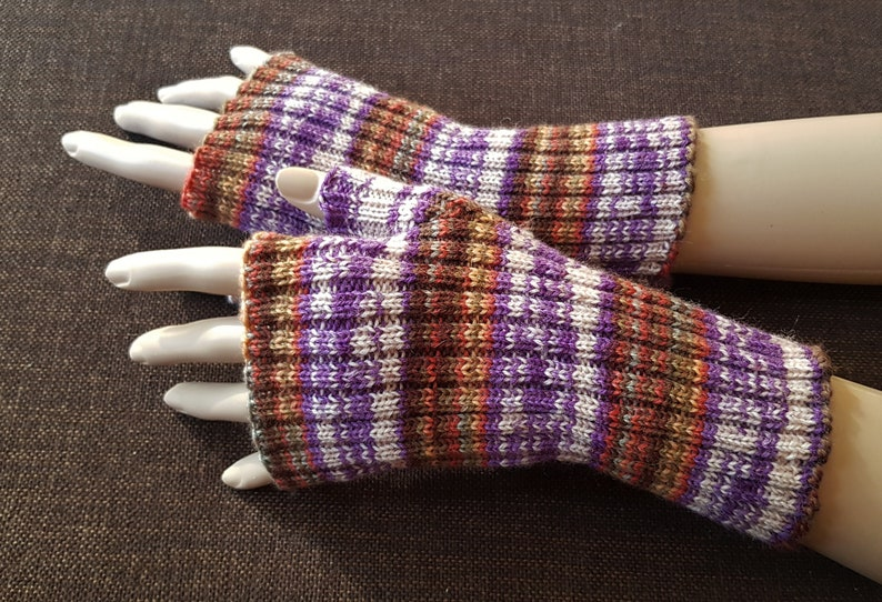 red dark grey pink white colorful dreamlike cuffs with thumb hole Smeter hand knitted