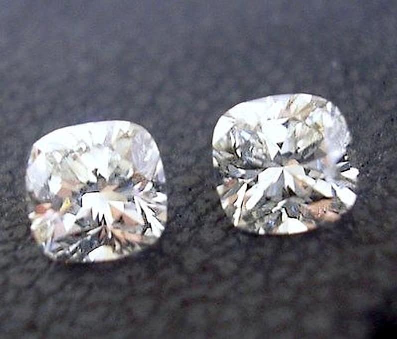 Gorgeous Matched Pair Of Cushion Cut Loose Diamonds 92 Ct Total Weight