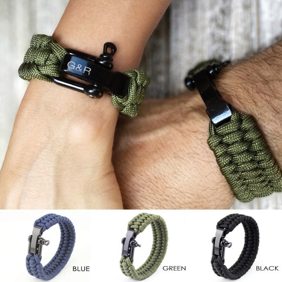Initial paracord braclet
