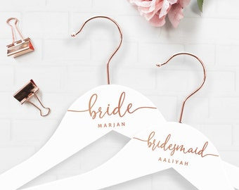 """Personalized hanger """"Bride"""" for bride, groomsmen, bridesmaids in rose gold / white"""
