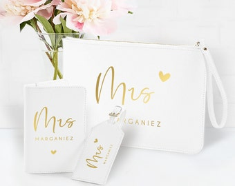 """Passport Cover + Luggage Tag + Clutch Set """"Mrs & Mr"""", Gift Wedding, Bridal Couple, Honeymoon, Personalized, Faux Leather, White"""